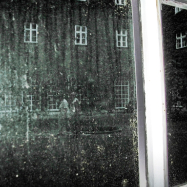 Elisabeth Rass, GREY GARDEN, Series OTHER REALITIES, Fotografie