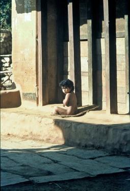 Elisabeth Rass, SISTER SUNSHINE, series ENCOUNTERS, analog photography